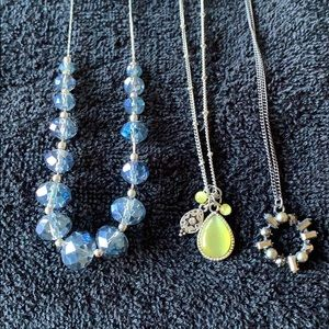 Lot of 3 costume necklaces short